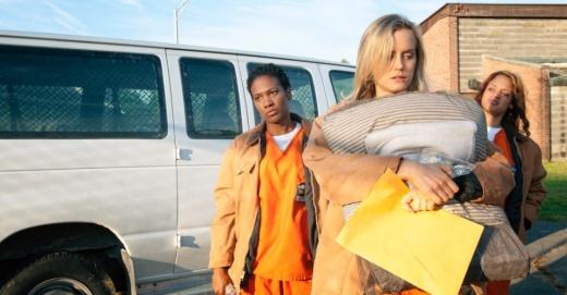 15jul2013---piper-chega-ao-presidio-em-primeiro-episodio-de-orange-is-the-new-black-1373933762509_956x500